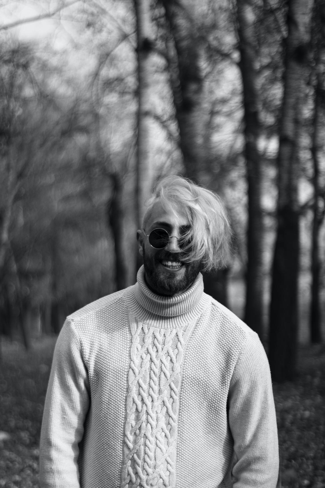 bw sweater picture